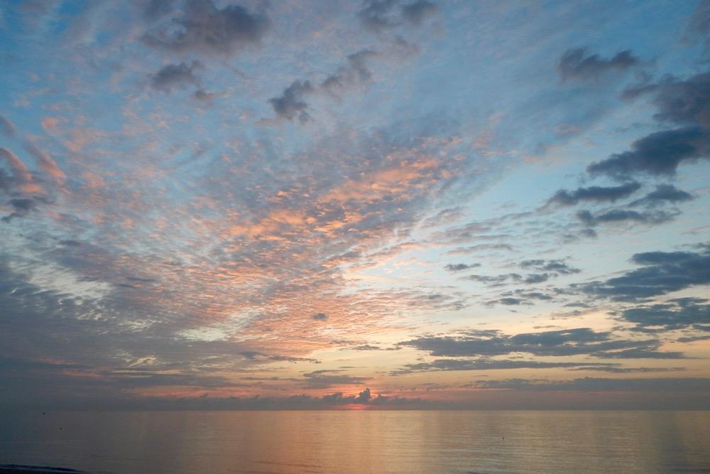 earlyam cloud pattern_ocean